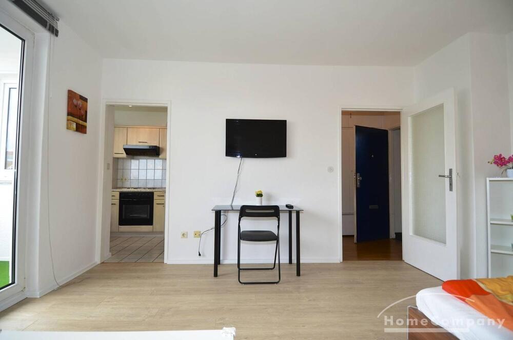 bright studio flat furnished berlin property details homecompany berlin agency for. Black Bedroom Furniture Sets. Home Design Ideas
