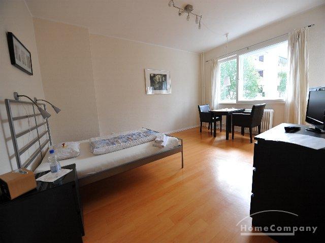 schicke 1 zimmer wohnung in berlin wilmersdorf m bliert. Black Bedroom Furniture Sets. Home Design Ideas